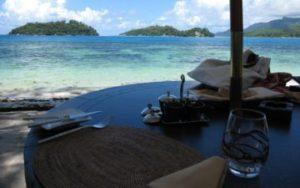 Plage sur les îles de Seychelles