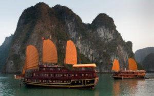 Voyage au Vietnam -Jonque baie Halong